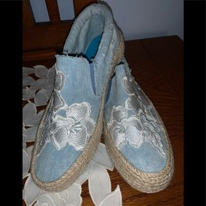 🎉BLOWFISH MALIBU DISTRESSED DENIM ESPADRILLE